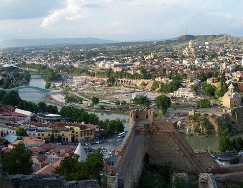 tblisi georgi view from narikala fortress panorama e1520632546139 495x384 - اقامت گرجستان