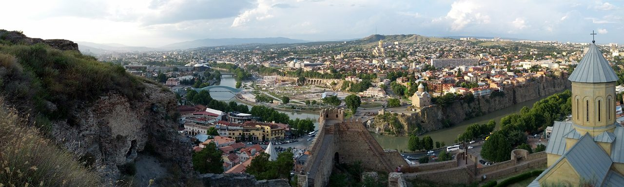 tblisi georgi view from narikala fortress panorama e1520632546139 - درباره کشور گرجستان